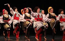 Održan dan folklora u šoping centru Karaburma